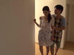 Crazy chick japonesa Rina Koda en JAV increíble película sin censura de sexo en grupo,