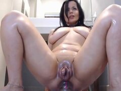 Chica sexy monta un consolador anal-lo que vivo y sin censura en webcam