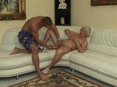 Grannys se follan