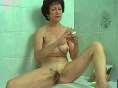 Josette afeitar su coño