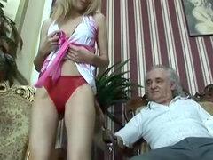 Suzi rubia follando con viejo