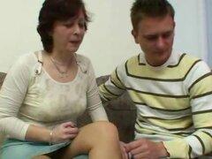 Checa esposa Danica una señora peluda amateur y un chico teniendo sexo