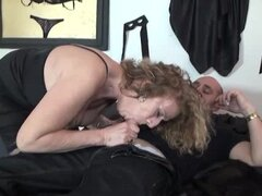 Sophie de 50 años de edad follan en medias