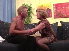 Pareja vieja alemana en primera vez porno casting Roleplay