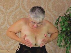 Pelo corto madura abuela acariciar su gran gits magníficamente - V Hanika.