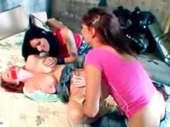 Guarras lesbianas maduras calientes satisfactorias