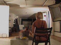 JOYBEAR erótica sesión fotográfica, Michelle Moist y Donna Bell son un par de las rubias más calientes en el porno. Uno tiene enormes pechos hermosos redondeos y el otro tiene anice par de tetas naturales. Juntos son una imparable máquina de mierda.