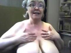 Abuelita y abuelita haciendo stript en webcam