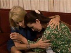 Dos lesbianas maduras calientes y SeXy Clip,