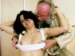 El abuelo tiene una nueva chica