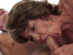 Soplo de boca abuela Cummy. Cummy abuela boca sopla y obtiene su vag fuzzy follada en hd