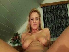 Duro video de sexo cinta en público lugares con chica caliente-18