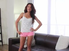 Casting Couch-X Latina chica club muestra en cam para