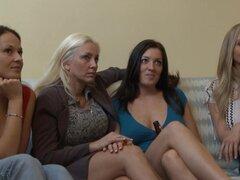 Increíble estrellas porno Julia Ann, Elexis Monroe, Piper Austin en exóticas Cunnilingus, digitación porno clip,