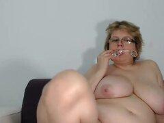 Mostrar cálido depilada madura Webcam Dildo