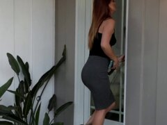 Chica de las medias les lame. Chica lesbiana con medias lame coño y hace hacia fuera