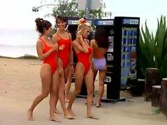 Yasmine Bleeth - Baywatch s6e20, 1996. BABES. Tetas grandes. Big Butts. Rubias. Morenas. Celebridades. Escote. No-nude. Al aire libre. Cuerpos perfectos. Sexy. Flaco. Trajes de baño. W Pamela Anderson Alexandra Paul.