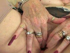 Abuelitas de UK Zadi y Elaine dan su coño viejo un placer