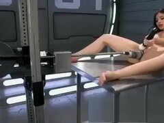 Safada usa maquina e vibrador para se masturbar,