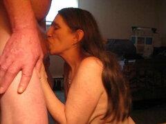 Tengo que conseguir mis maridos polla en mi boca me encanta chupar