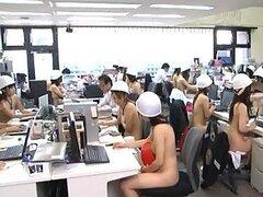 Chicas asiáticas calientes obtener desnuda en la oficina