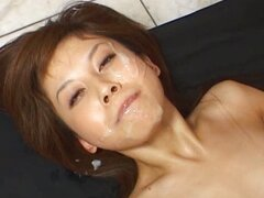 Hime Kamiya Asian chick goza de bukkake