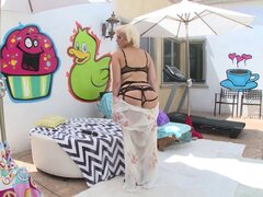 Radiant blonde has her anal fingered then screwed outdoors - Jenna Ivory