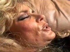 Video casero caliente con Vintage, escenas de Cunnilingus,
