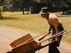 Uschi Stiegelmaier en desabrochar el cinturón de seguridad (1976)