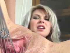 Juguetes de gyno profundo en su vagina vagina cachonda