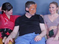 Olivia Kasady y enfermera Holl disfrutan un desagradable juego BDSM - Olivia Kasady, enfermera Holl