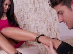 FootsieBabes Layla pecado da la relevación de pie con los pies Pedicured francés