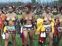 Caliente compilacion de fotos mostrando mujeres maduras y jovencitas de nigeria exponiendo sus tetas
