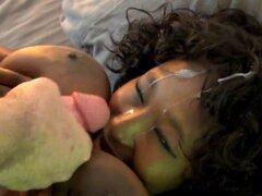 Negras estrellas Marie Leone le gusta chupar grandes con polla y facialized. Negras estrellas Marie Leone le gusta chupar grandes con polla y facialized