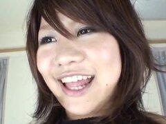 Miu Satsuki Asian babe obtiene enormes tetas acaricien en trío